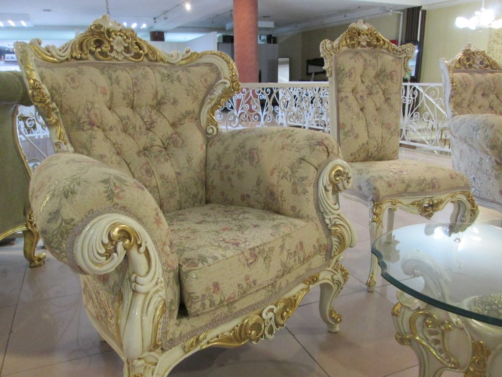 مبل سلطنتی |مبل خاورمیانه شیراز|صندلی|مبل راحتی|مبل سلطنتی|مبل اقساطی| چوب سنگ مشهد|مبلمان اتاق خواب|سرویس اتاق خواب|فروش اقساطی|بحرانی|مبلمان
